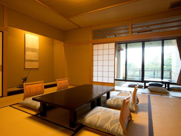 Superior Japanese-Style Room with Open-Aiir Bath