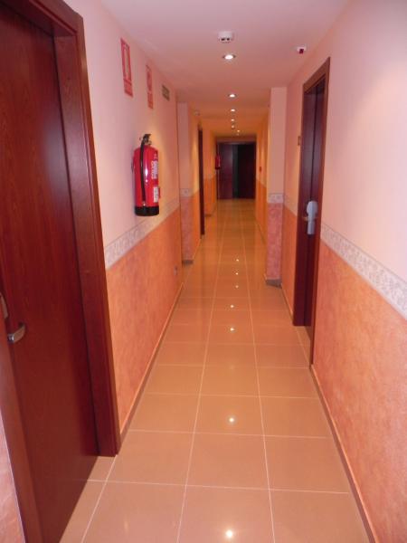 Hotel Pictures: Hotel Restaurante Pizzeria ABC, Laracha
