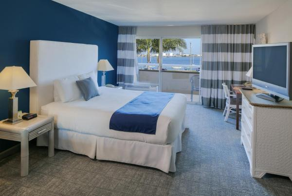 Deluxe Room with Bay View