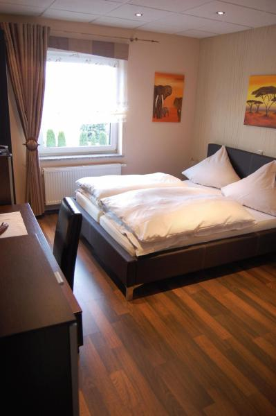 Hotel Pictures: Hotel Neuzeit, Schwalbach