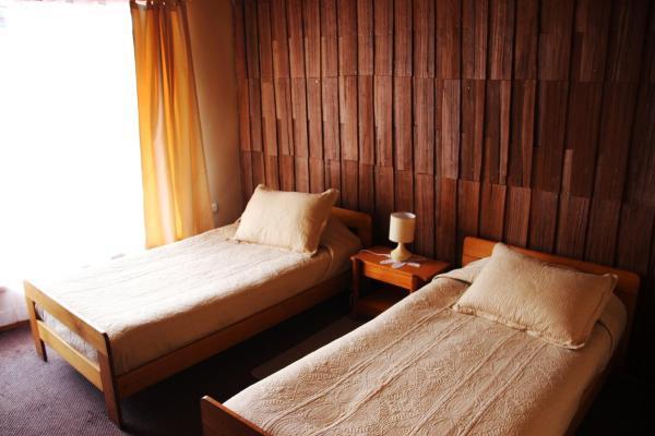 Hotel Pictures: Hostal 5 Adobes, Puerto Varas