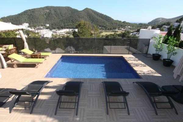 Hotel Pictures: Villa Magnolia, Cala Llonga