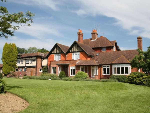 Hotel Pictures: Gatton Manor Hotel and Golf Club, Ockley