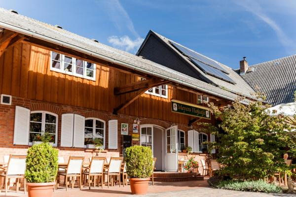 Hotel Pictures: Meyers Hofcafe, Isenbüttel