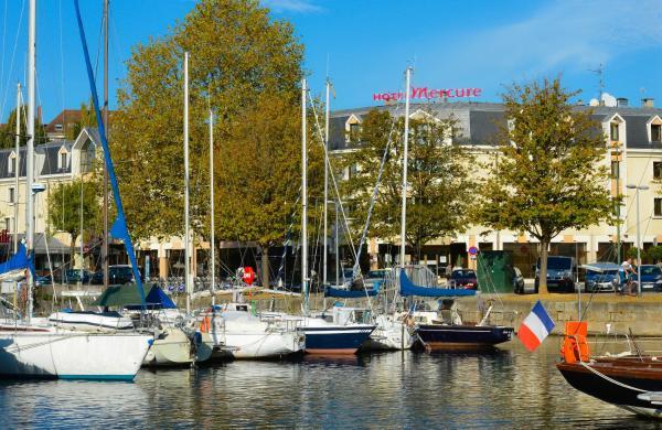Hotel Pictures: Mercure Caen Centre Port De Plaisance, Caen
