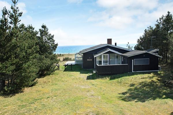 Hotelbilleder: Three-Bedroom Holiday home in Ebeltoft 6, Ebeltoft