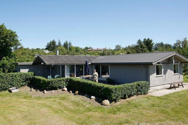 Hotel Pictures: Three-Bedroom Holiday home in Spøttrup 2, Lihme