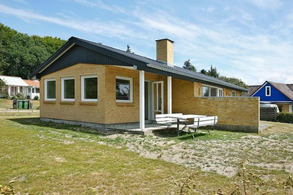 Hotel Pictures: Two-Bedroom Holiday home in Struer 2, Remmer Strand