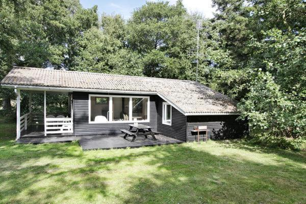 Hotel Pictures: Two-Bedroom Holiday home in Rødby 5, Rødbyhavn