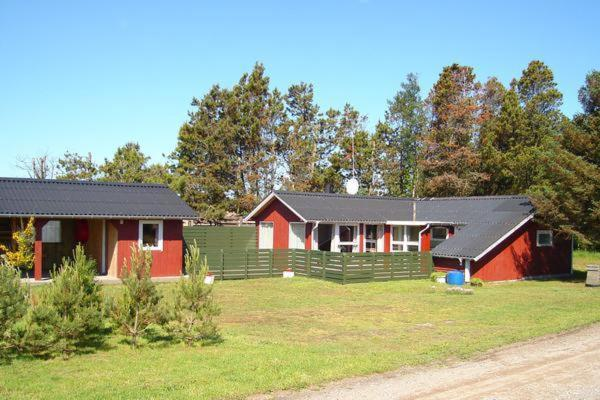 Hotel Pictures: Two-Bedroom Holiday home in Sæby 7, Nordost