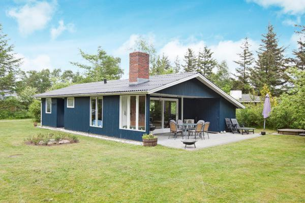 Hotel Pictures: Three-Bedroom Holiday home in Ulfborg 9, Sønder Nissum