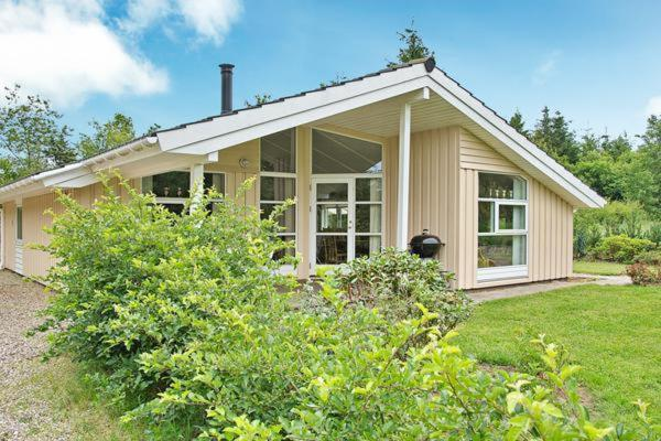 Hotel Pictures: Two-Bedroom Holiday home in Toftlund 8, Vestergård