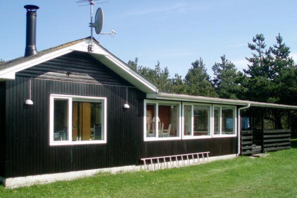 Hotel Pictures: Two-Bedroom Holiday home in Hadsund 8, Odde