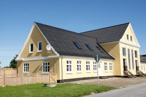 Hotel Pictures: Three-Bedroom Holiday home in Bindslev 6, Tuen