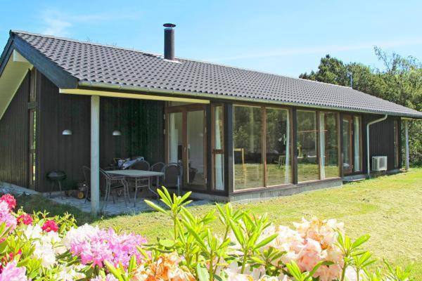 Hotel Pictures: Three-Bedroom Holiday home in Gedser 2, Gedser