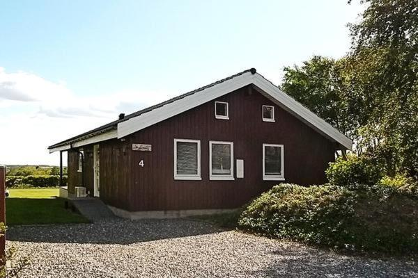Hotel Pictures: Three-Bedroom Holiday home in Struer 7, Remmer Strand