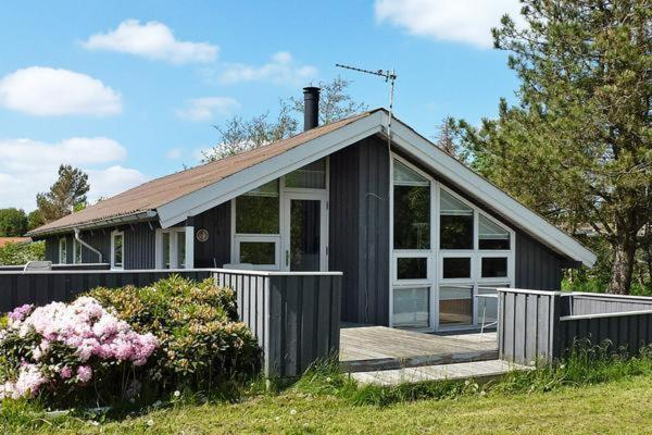 Hotel Pictures: Three-Bedroom Holiday home in Strandby 12, Strandby