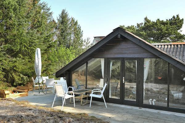 Hotel Pictures: Two-Bedroom Holiday home in Henne 9, Henne Strand