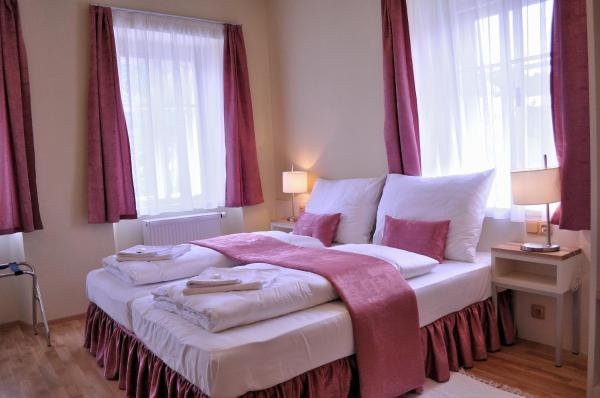 Hotel Pictures: Penzion Lípa, Krásná Lípa