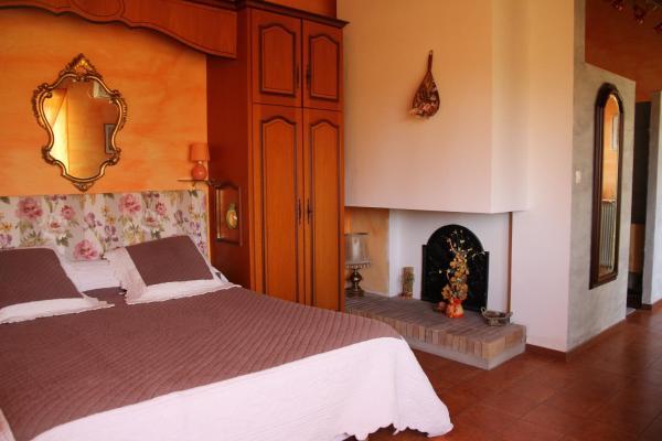 Hotel Pictures: Le Mas Font De Cinq Sous, Belvézet
