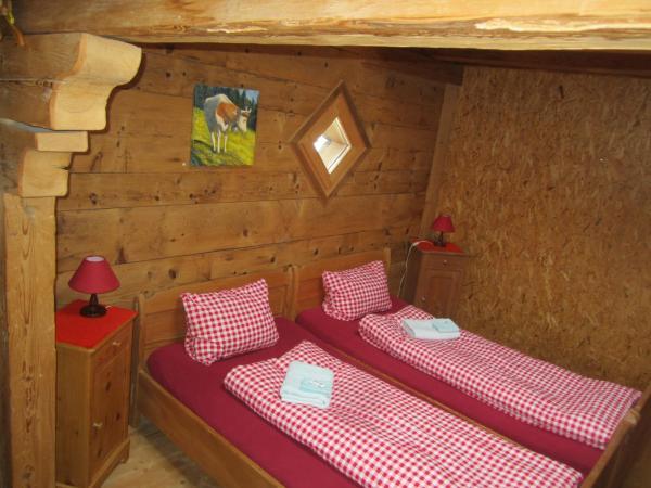 Hotel Pictures: Bauernhotel Gässlihof, Feutersoey