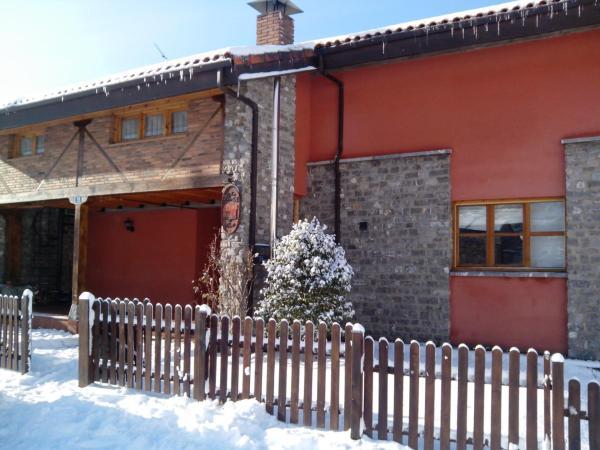 Hotel Pictures: Hostal Casa La Picota, Cofiñal