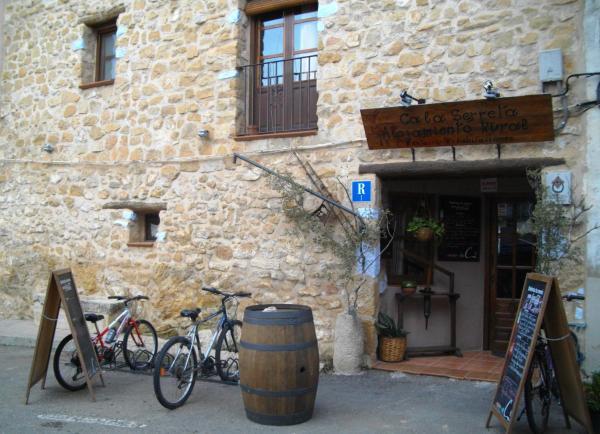 Hotel Pictures: Ca la Serreta, Cretas