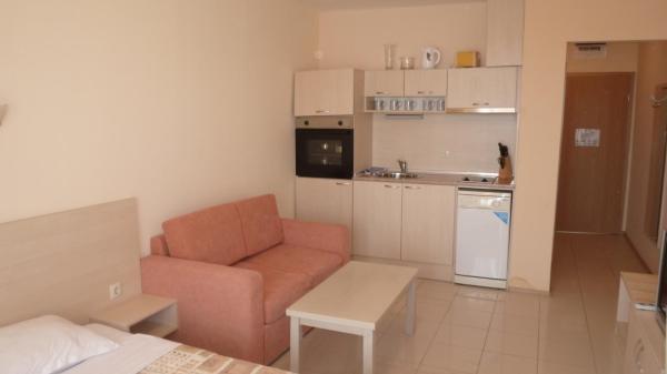 Fotos de l'hotel: Studio New Estate in complex Harmony Hills, Rogachevo