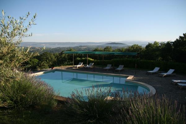 Hotel Pictures: Domaine de Layaude Basse, Lacoste