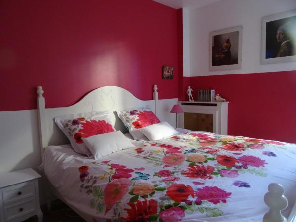 Hotel Pictures: Chambre d'hôtes Echappée-Belle-Paris, Levallois-Perret