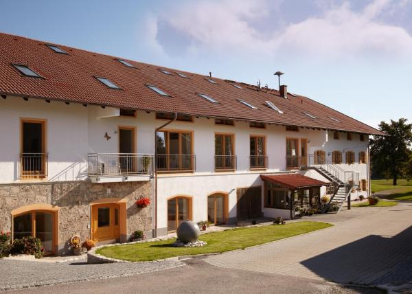 Hotel Pictures: Bio Ferienhof Heiler, Feldkirchen-Westerham