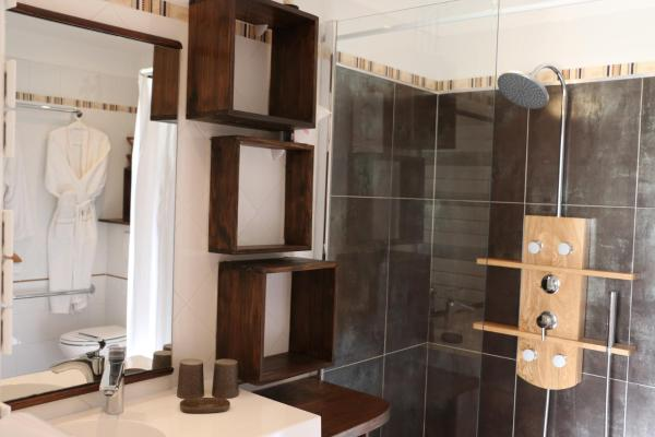 Superior Triple Room with Shower
