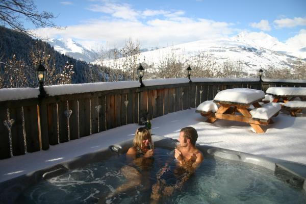 Hotel Pictures: Chalet Himalaya, Peisey-Nancroix