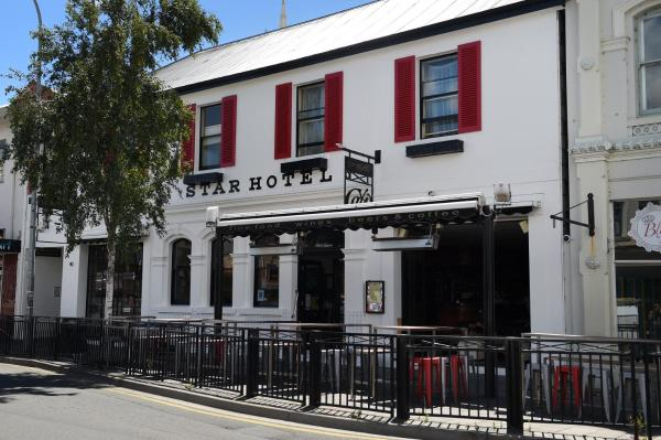 Фотографии отеля: Star Bar Cafe & Hotel, Лонсестон