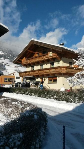酒店图片: Landhaus Egger, 齐勒河谷的拉姆绍