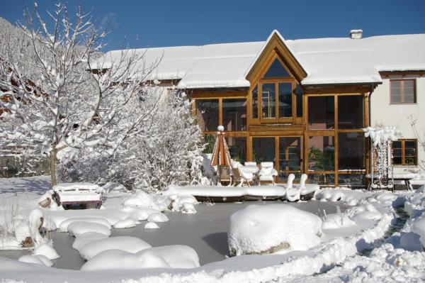 Hotellikuvia: Ferienwohnung HAGER, Ried im Oberinntal