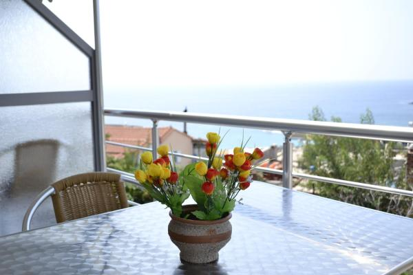 Hotel Pictures: Riviera Rooms, Himare
