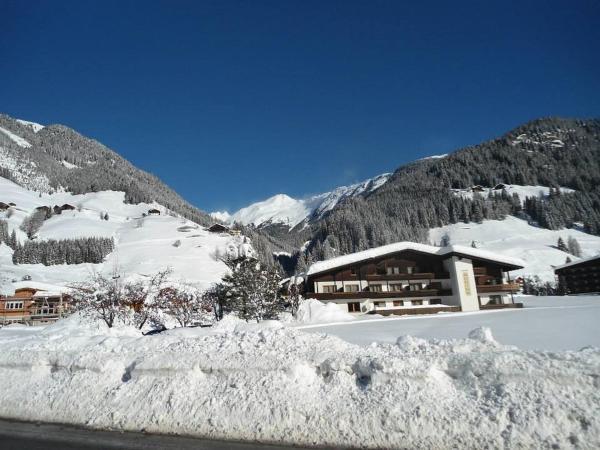 Fotos de l'hotel: Gasthof Jagawirt - Gästehaus Alpina, Sankt Jakob in Defereggen
