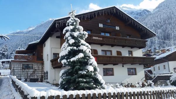 Fotografie hotelů: Alpensport Appartement Stubai - Tannenheim, Neustift im Stubaital