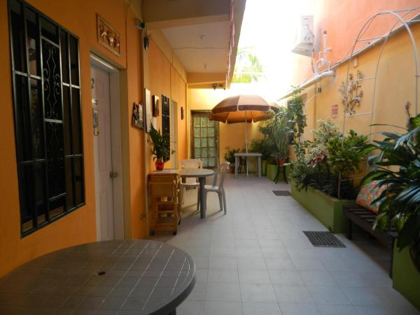 Hotel Pictures: Bella Sombra Guest House Downtown, Belize City