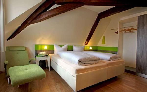 Hotel Pictures: Goldener Adler, Sulzheim