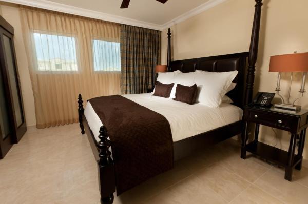 One Bedroom Ocean Front - Family Suite