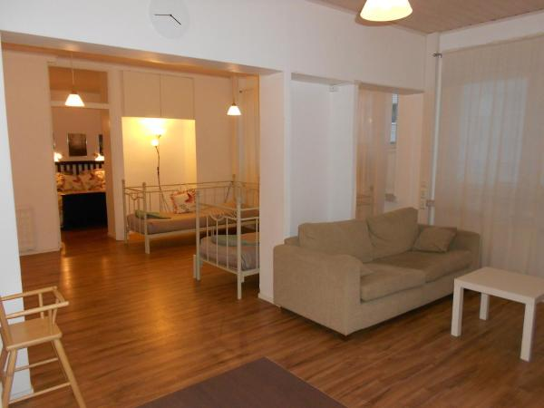 Hotel Pictures: Anne's City Apartment, Jyväskylä