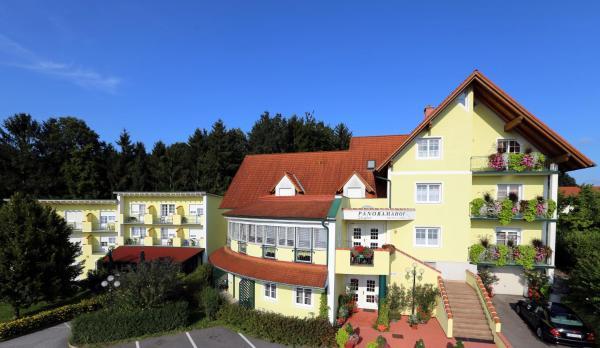 Hotelbilleder: Panoramahof Ziegler, Bad Waltersdorf