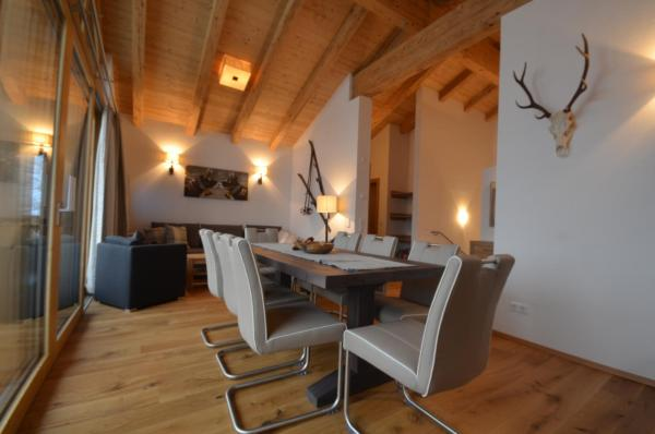 Fotos do Hotel: Chalet 16 Alpenrose by Alpen Apartments, Wald im Pinzgau