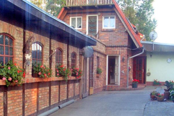 Hotel Pictures: Apartment Sylvia, Prohn