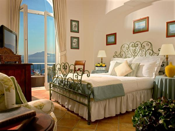 Deluxe Double Room with Sea View - cliff side