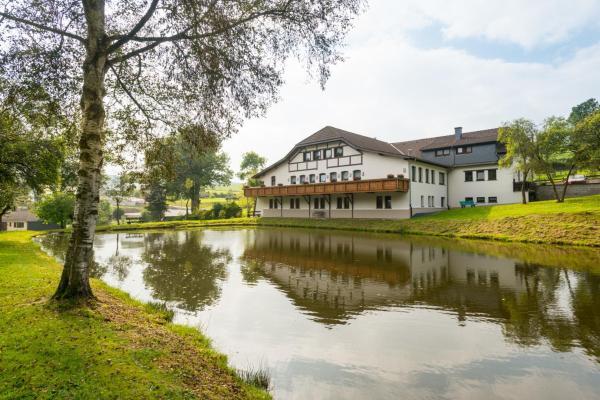 Фотографии отеля: Hotel Burg Hof, Burg-Reuland