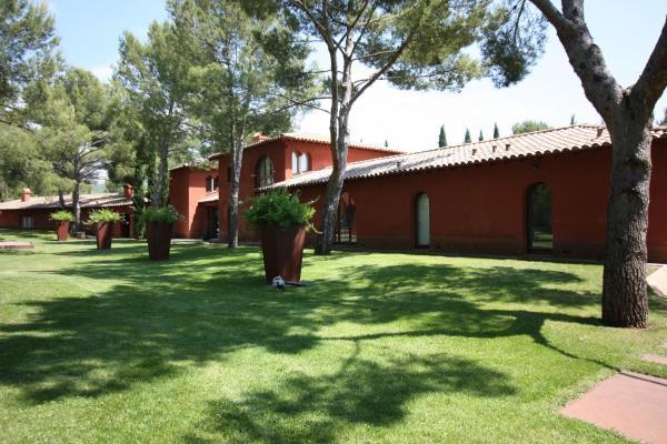 Hotel Pictures: La Petite Toscane, Ventabren