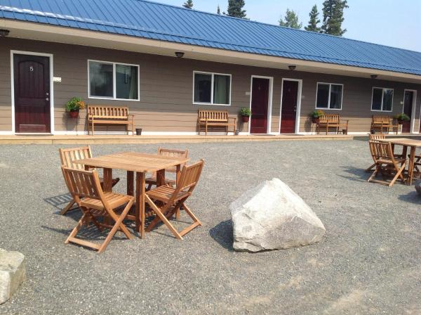 Hotel Pictures: Parkside Inn, Haines Junction